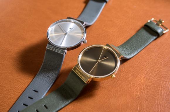 (左より)腕時計 ¥32,000、¥33,500[以上、共にJACOB JENSEN]<br /> <br /> ※全て、税抜価格