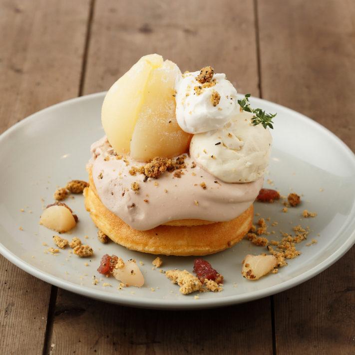 【あと1週間!】まるごと洋梨のチョコムースパンケーキ