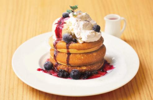 【季節限定!】ブルーベリーとマスカルポーネクリームパンケーキ