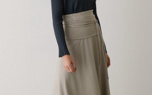 大人ゆるいスカート