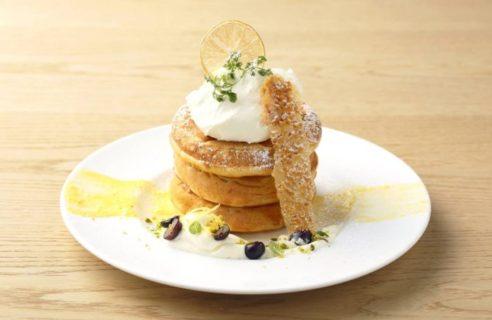 【7月限定!】レモンコンフィチュールとフロマージュのパンケーキアングレーズソース