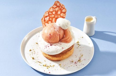 【まるごとフルーフェア】まるごと桃とふんわりフロマージュブランクリームのパンケーキ
