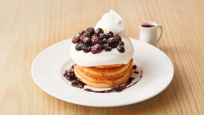 【4月2日まで】ブルーベリーとブラックベリーのリコッタクリームパンケーキ