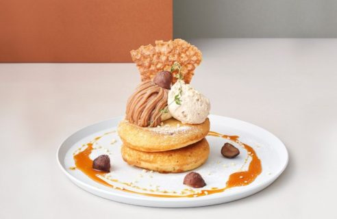 【モンブランフェア】モンブランとプラリネクリームのパンケーキ キャラメルソース