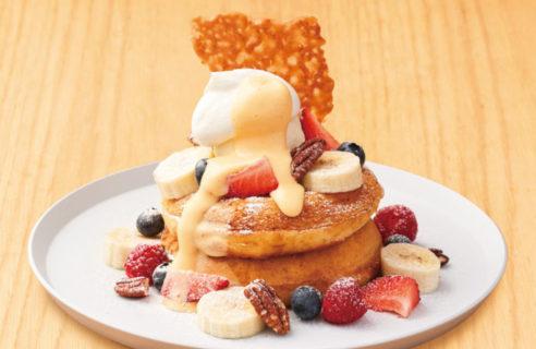 【5月限定!】スペシャルフルーツのパンケーキ カスタードソース
