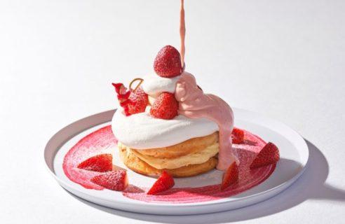 """【クリスマスフェア】""""生""""ミルキークリームのパンケーキ いちごバターソース"""